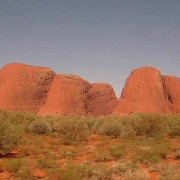 Critique of Year 8 Geography resource about Uluru and Kata Tjuta connected with the Australian National Curriculum
